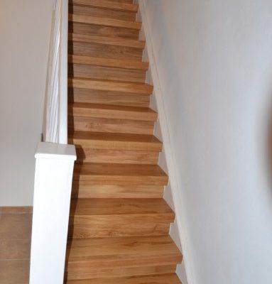 Treppenrenovierung Massivholz Eiche