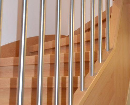 Treppenrenovierung in Altshausen, Dekor Buche