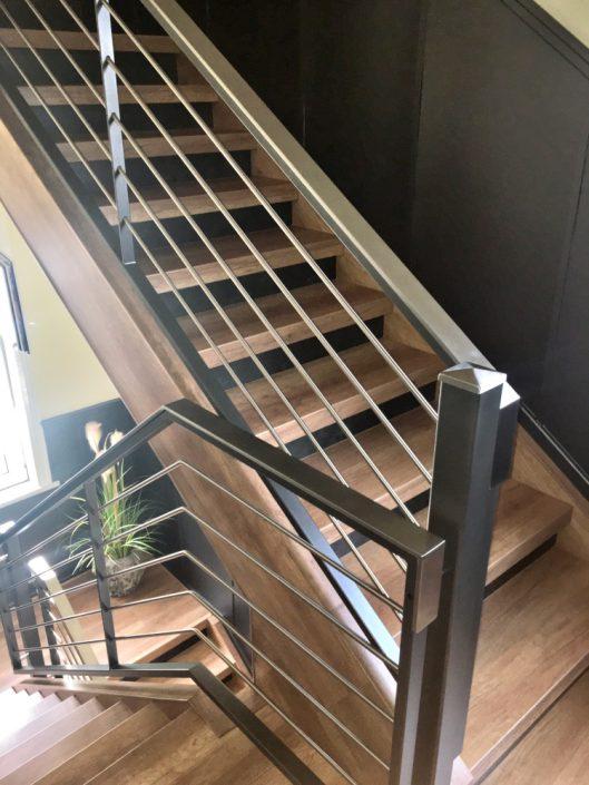 Treppenrenovierung Heiligenstadt, Laminatstufen Eiche Vintage